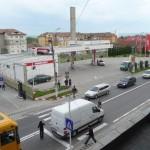 O autoutilitară a fost lovită de un TIR în apropierea unei treceri de pietoni din centrul orașului Teiuș