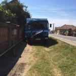 Șofer din Galda de Jos urmărit penal după ce s-a urcat băut la volan și a intrat în coliziune cu un imobil din Teiuș