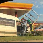 Șase persoane transportate la spital, după un impact între un autoturism și un microbuz, petrecut la Sântimbru