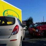 Persoană transportată la spital, după un impact între trei autoturisme petrecut la Teiuș