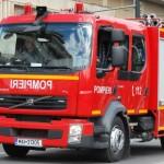 Pompierii solicitați să intervină la Teiuș pentru a stinge un incendiu izbucnit la un autoturism