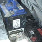 Minor, suspect de furtul a doi acumulatori auto reținut de polițiștii din Teiuș