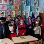 Paradă a costumelor, filme, muzică, desene şi scenete de Halloween pregătite de copiii de la Liceul Teoretic Teiuş