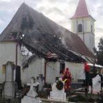O anexă a Bisericii Greco-Catolice din Teiuș a fost distrusă de un incendiu