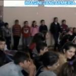 """Activitate informativă a Jandarmeriei Alba organizată la Școala Gimnazială """"Ioan de Hunedoara"""" din Sântimbru"""
