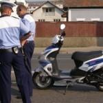 Dosar penal pentru un bărbat de 41 de ani din Întregalde, după ce a condus fără permis un moped neînmatriculat și a provocat un accident de circulație pe DJ 107K