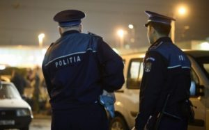 Bărbat de 44 de ani din comuna Galda de Jos cercetat de polițiști, după ce și-a lovit tatăl și amenințat mama