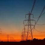 Guvernul a decis: taxe mai mici dar obligatorii pentru toţi operatorii din energie