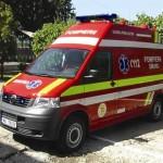 O femeie și-a pierdut viața la Teiuș după ce microbuzul în care se afla a fost lovit de un autocamion